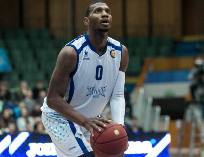 Anthony Hilliard Signs With Enisey