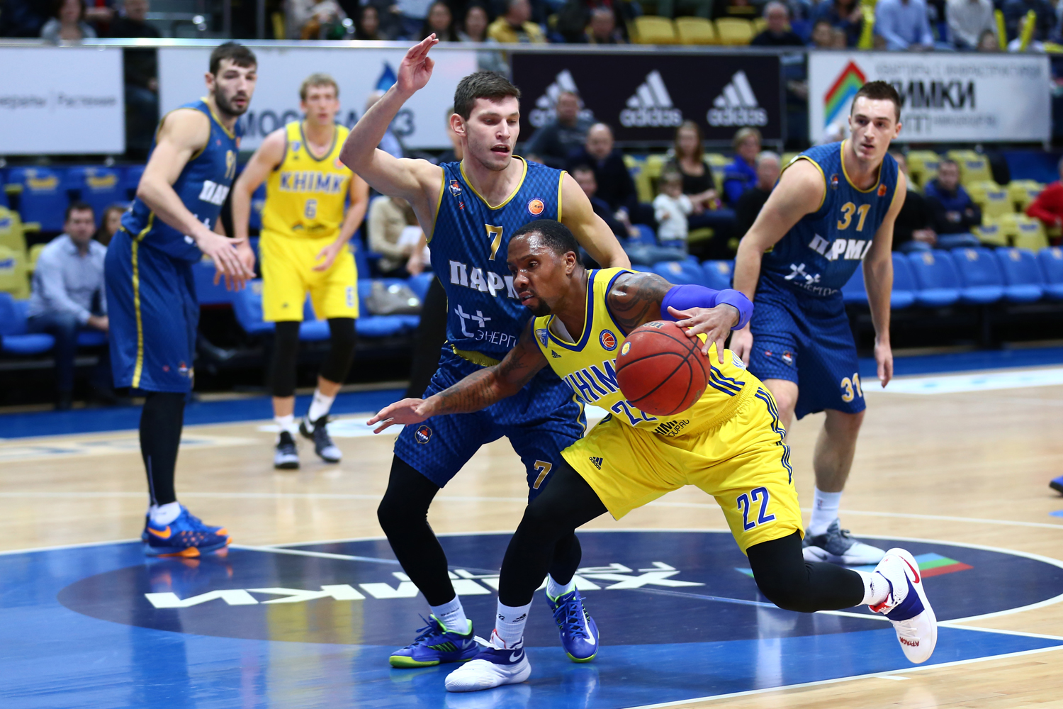 Khimki Moves Into Tie For First