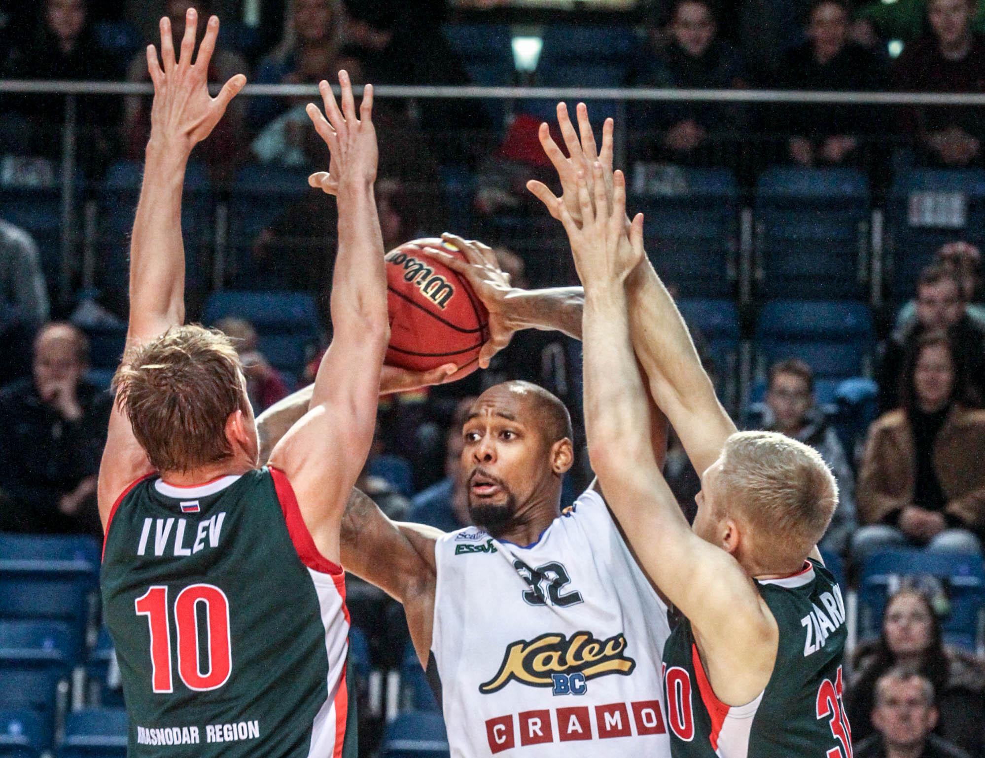 Krasnodar Overwhelms Kalev For 10th Straight Win