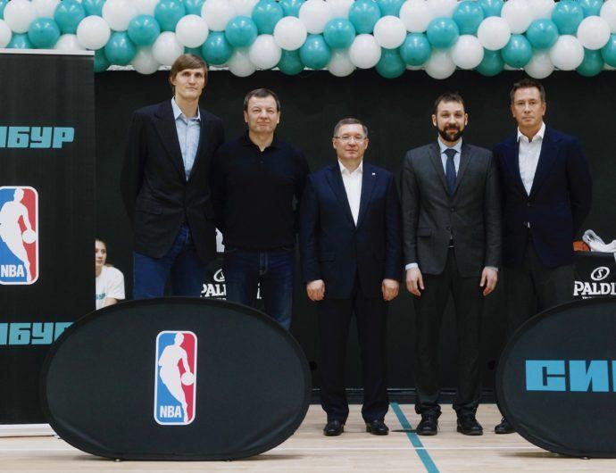 Сергей Кущенко принял участие в открытии баскетбольной площадки в Тюмени