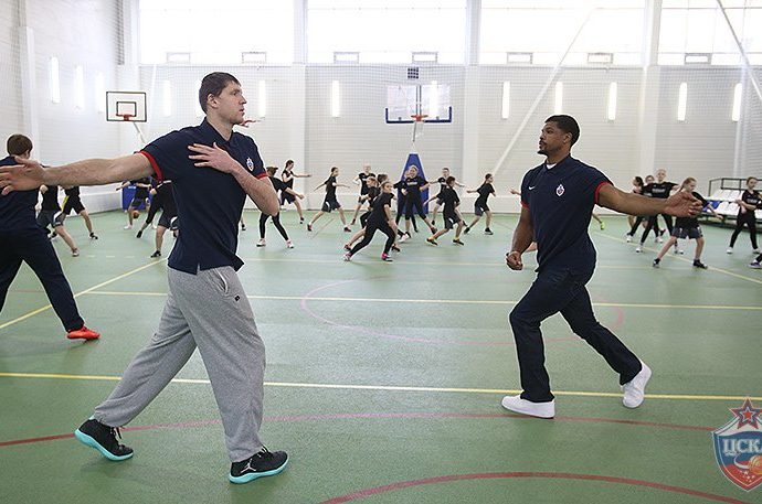 Hines And Khryapa Help CSKA's One Team Project Focus On Gender Equality