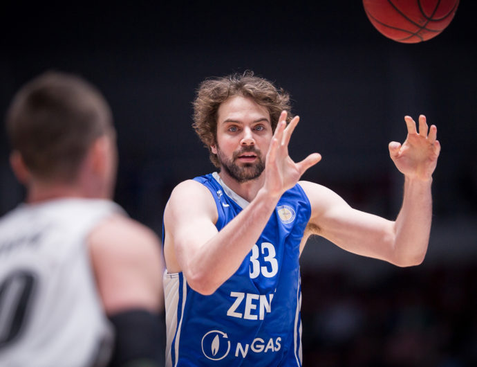 Zenit Clinches 2nd Place