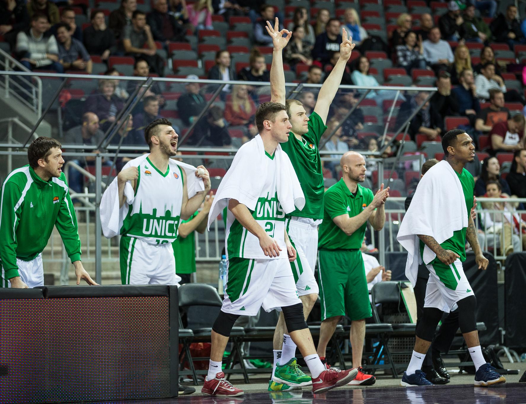 УНИКС выигрывает овертайм в Риге