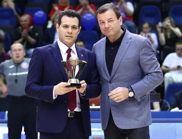 Димитрис Итудис — тренер года в Лиге