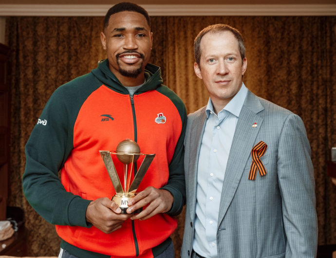 Kevin Jones Wins April MVP