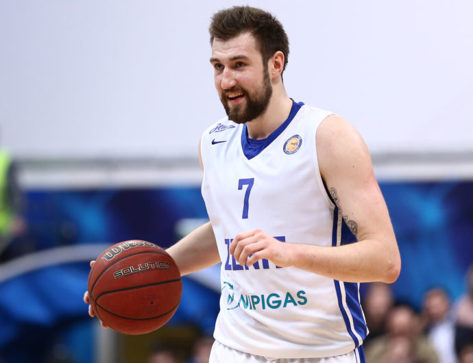 Sergey Karasev Stays In Zenit
