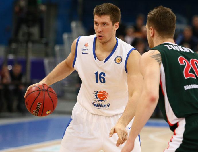 Владислав Трушкин продолжит карьеру в УНИКСе