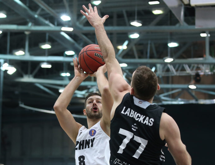 Lukics Opens With Win, Nizhny Beats VEF