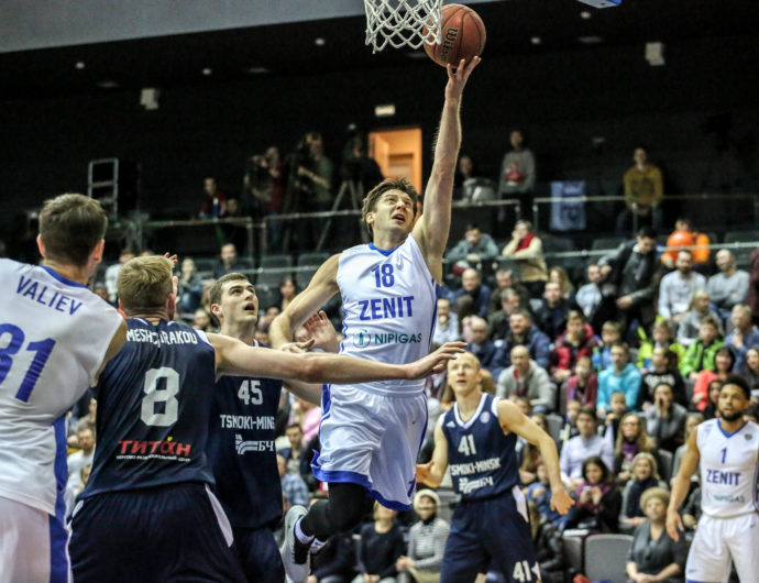 Zenit Survives Frantic Finish In Minsk