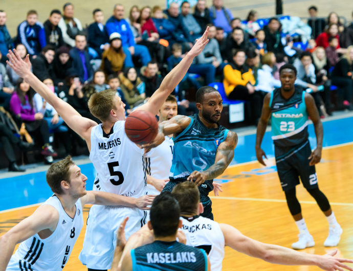 Astana Pulls Away From VEF