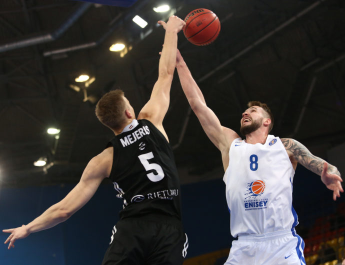 VEF Outlasts Enisey On The Road