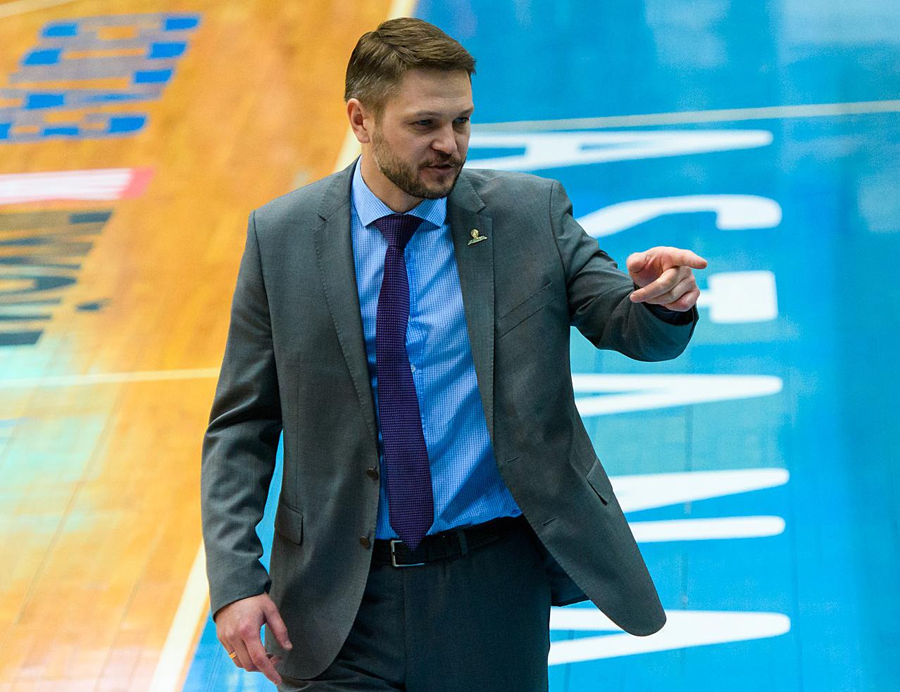 Российский тренер в «Астане». Он уже обыграл «Зенит» и верит, что это только начало