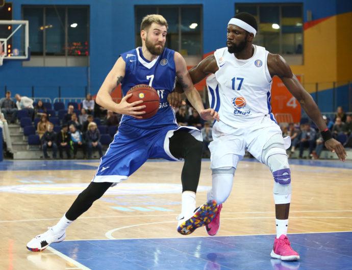 66 очков Курича и Карасева приносят победу «Зениту»