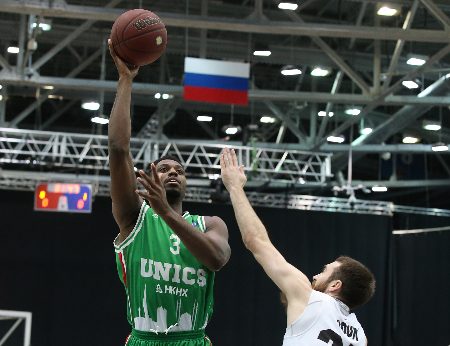 Ejim Stuns Nizhny, UNICS Takes Series Lead