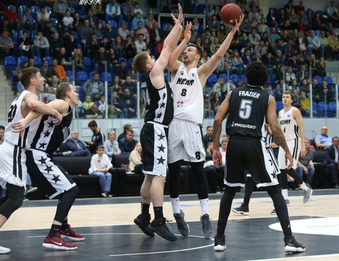 «Нижний» обыграл «Автодор» и обеспечил себе место в плей-офф