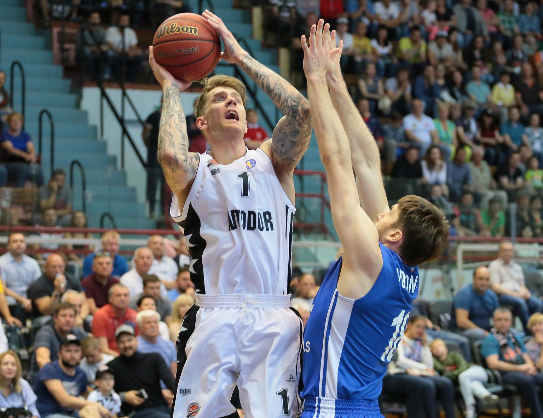 Zenit Shuts Down Saratov In Game 2