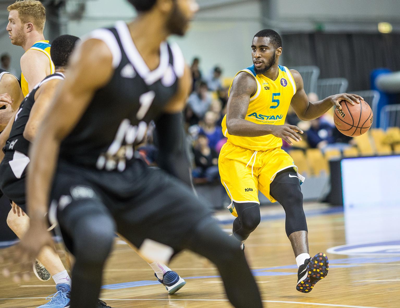 «Астана» выигрывает в Риге впервые за четыре сезона