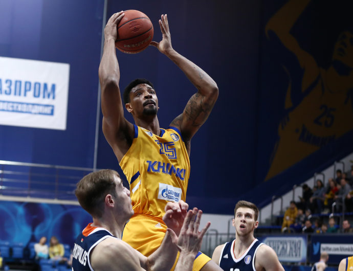 Khimki Pulls Away From Dragons