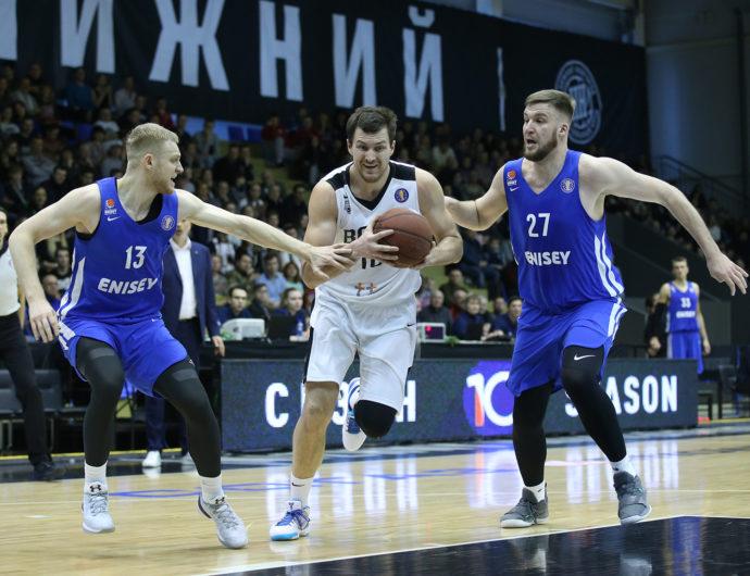 «Нижний» прервал серию поражений в матчах с «Енисеем»