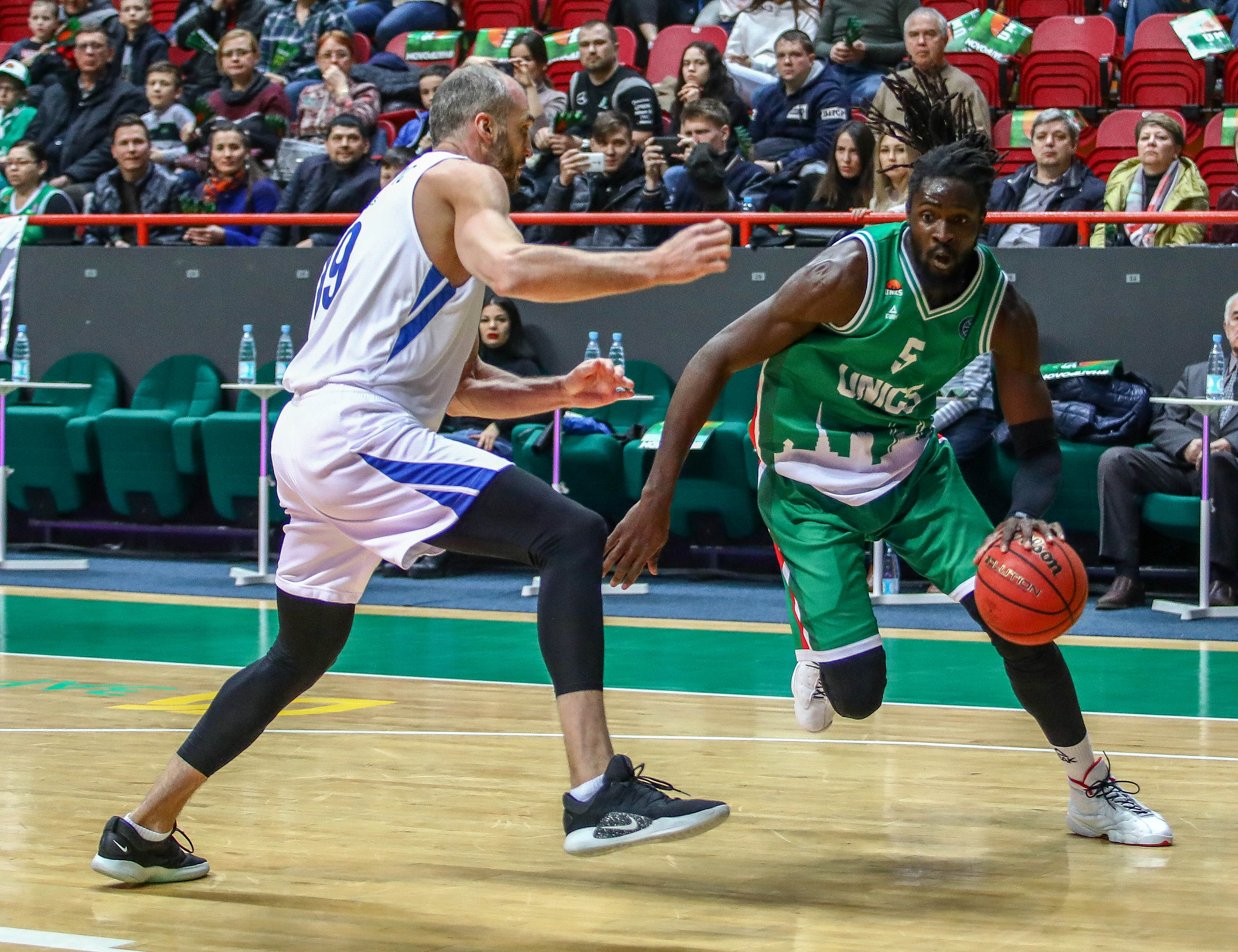 UNICS Survives Zenit, On Track For 1st Place