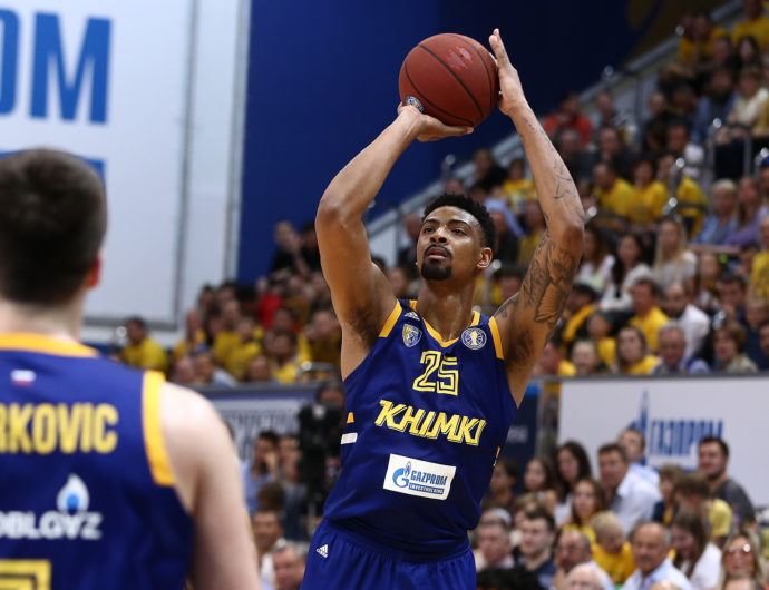 Khimki Crushes UNICS, Takes 2-1 Series Lead