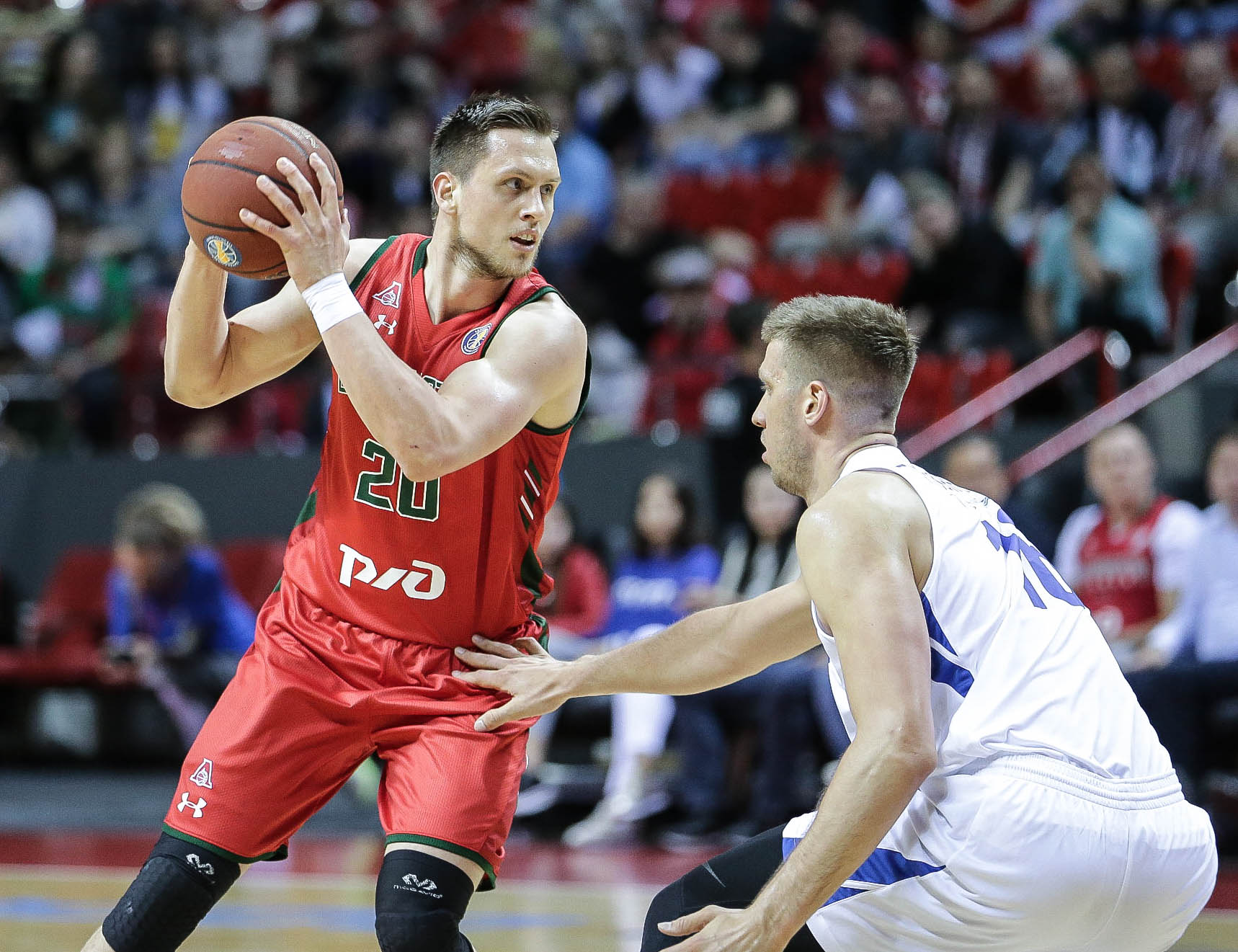 Lokomotiv Survives Zenit Rally To Even Series