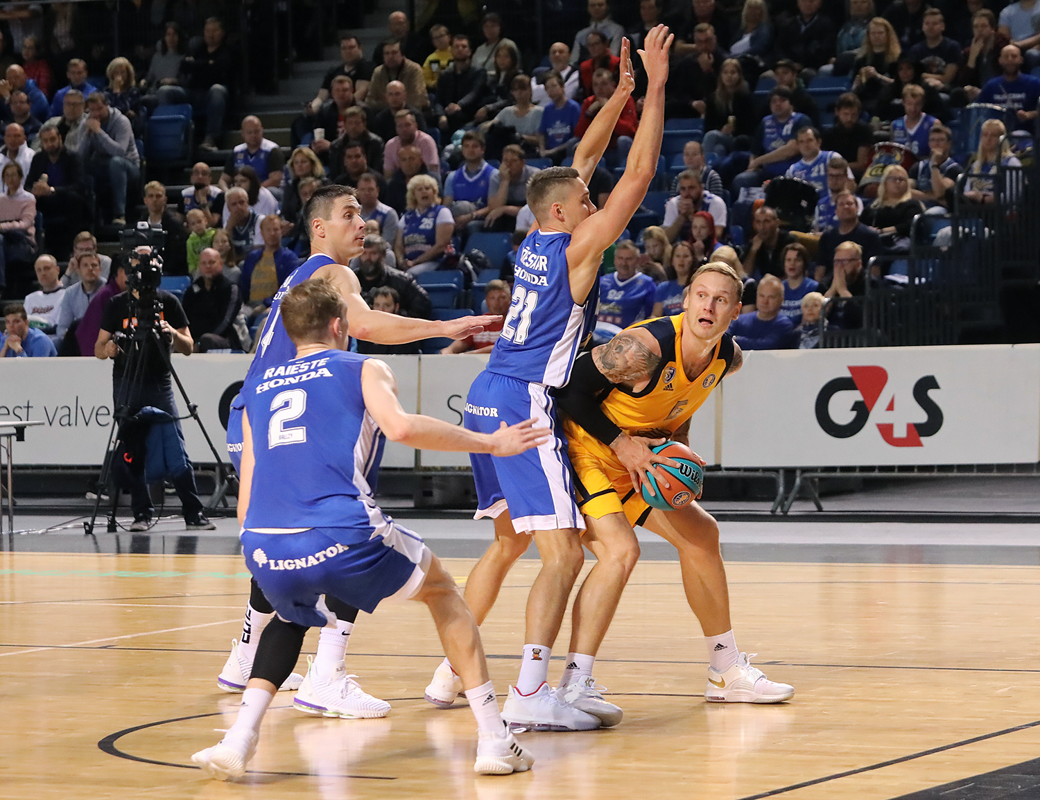 Khimki keeps rolling in Tallinn