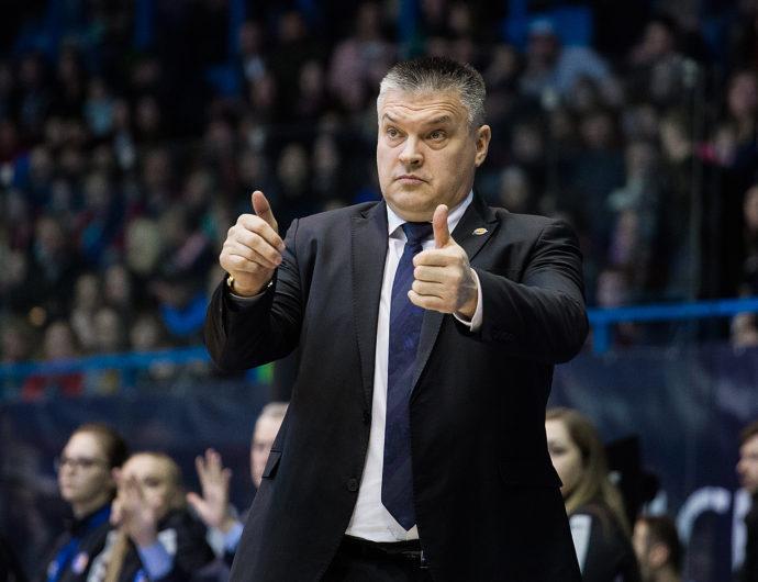 Евгений Пашутин – главный тренер «Локо»