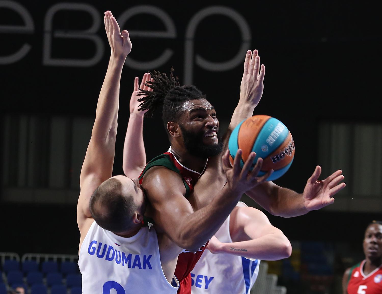 «Локо» побеждает в Красноярске, но теряет Уильямса