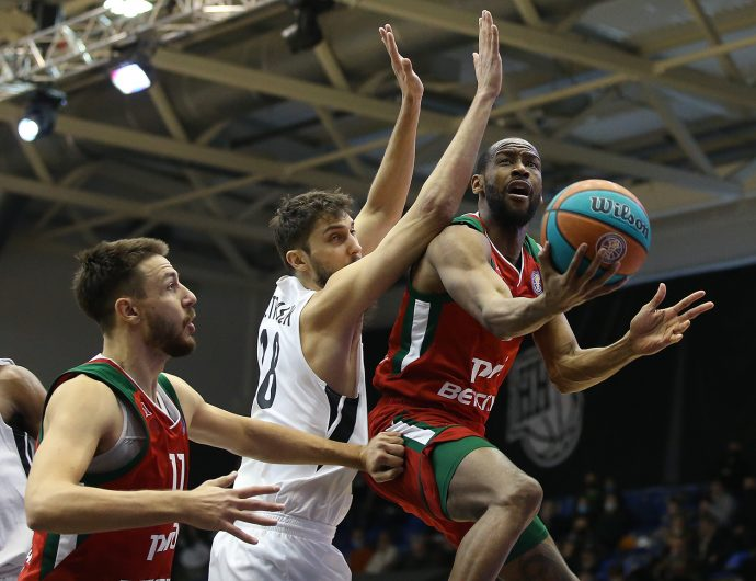 Loko beat Nizhny and outpace them in standings