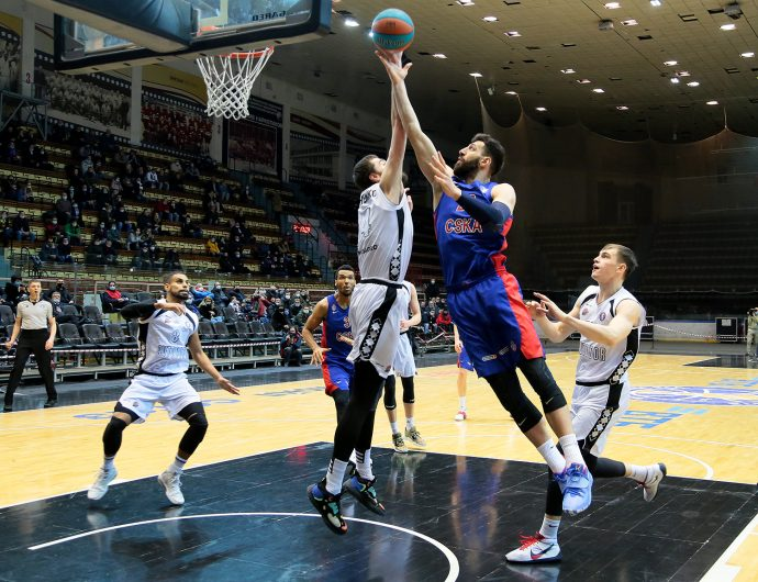 CSKA win in Saratov and continue to chase Zenit