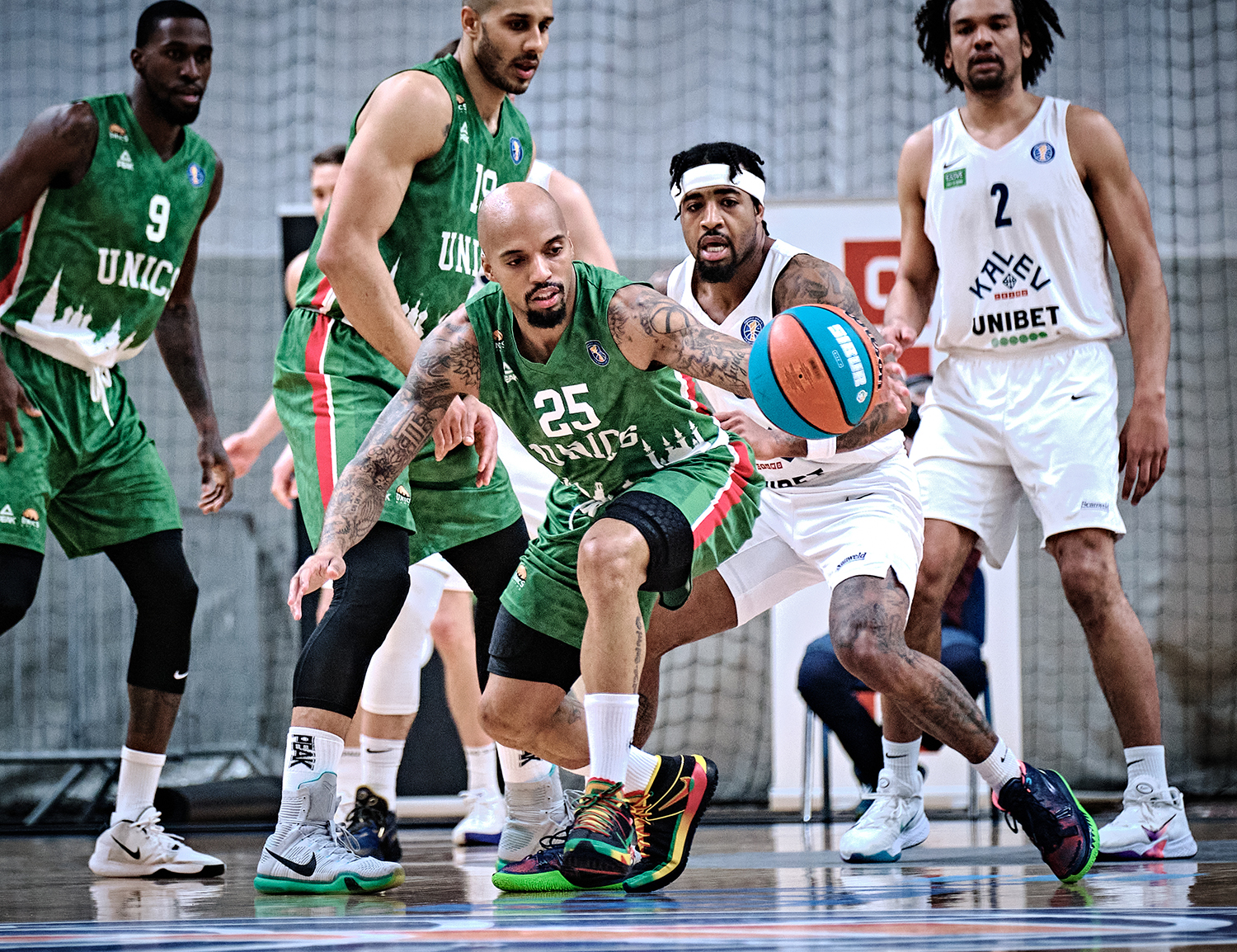 UNICS extend winning streak to 10 and catch Zenit in wins number