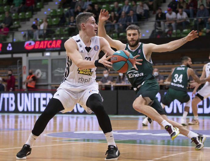 «Нижний» обновляет рекорд сезона по трехочковых и побеждает в Польше